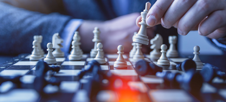 organisational damage control warren-banks-aligning-purpose-strategy-culture-chess